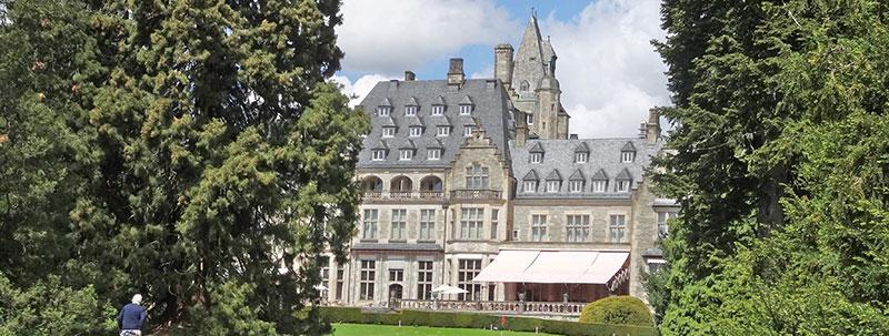 Immobilien bewerten · Blick auf das Schloßhotel in Kronberg im Taunus