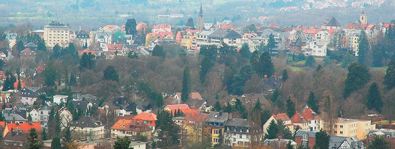 Immobilien entwickeln · Blick auf 61476 Kronberg im Taunus