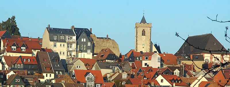 Immobilien kaufen · Blick auf die Kronberger Altstadt
